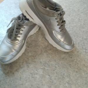Nike Air Max Thea silver